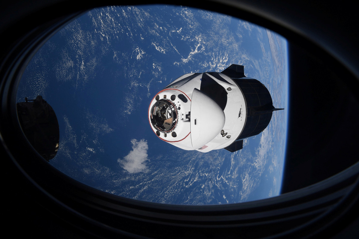 Das SpaceX-Raumschiff hat nach dem Start in den Orbit einen engen Kontakt mit dem UFO