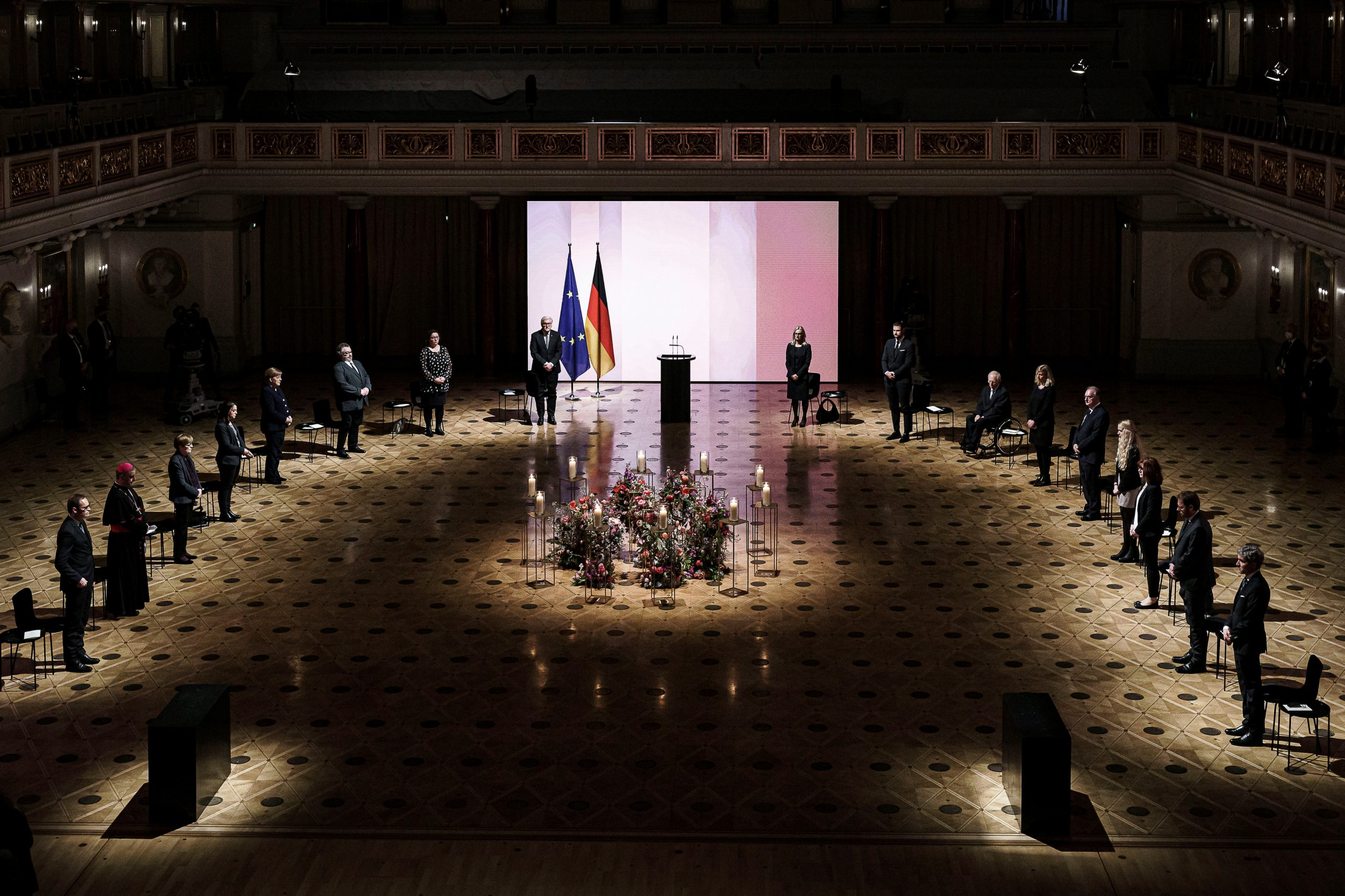 Deutschland ruft zur Einheit auf, da es um den Tod von COVID trauert  Stimme von Amerika