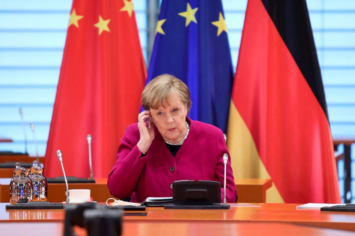 Merkels Masse sinkt im deutschen Nachfolge-Rennen auf ein 14-Monats-Tief