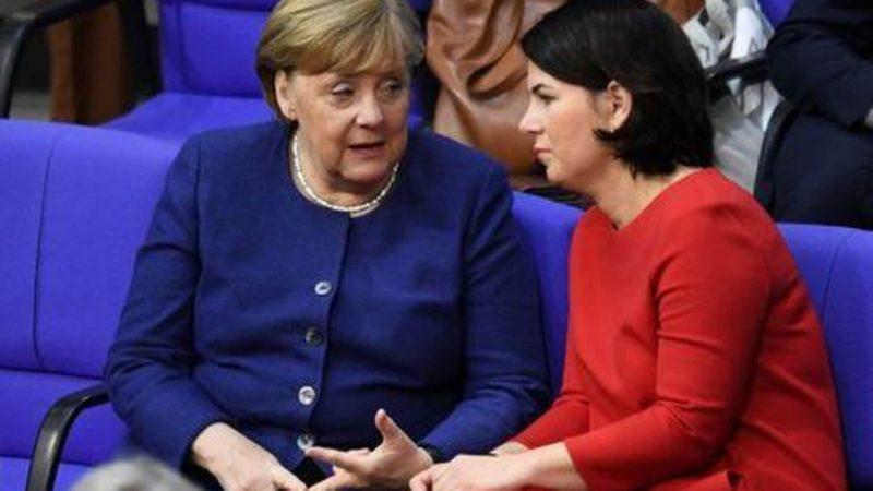 Deutsche Konservative setzen ihre Führung bei den Wahlen vor den Wahlen im September fort