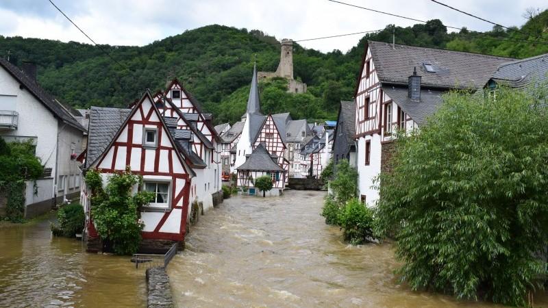 Deutschland: Die wirtschaftlichen und politischen Auswirkungen von Überschwemmungen |  Artikel – Ware