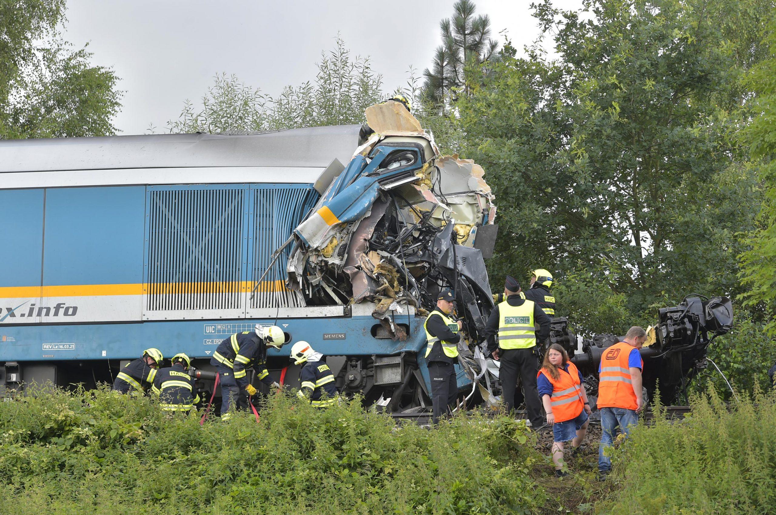 Personenzüge kollidieren in Tschechien und tötet 3